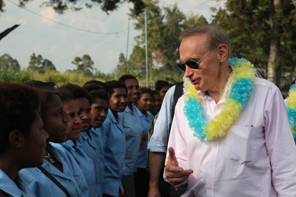Foreign Minister Bob Carr at Notre Dame Secondary School in Papua New Guinea on December 4, 2012 (Photo: Michael Wightman)