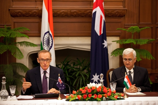 Foreign Minister Bob Carr and Indian Minister of External Affairs Salman Khushid hold a press conference following their bilateral on January 21, 2013 (Photo: Graham Crouch/DFAT)