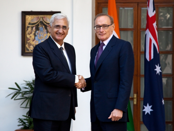 Foreign Minister Bob Carr with Indian Minister of External Affairs Salman Khurshid at Hyderabad House in New Delhi on January 21, 2013 (Photo: Graham Crouch/DFAT)