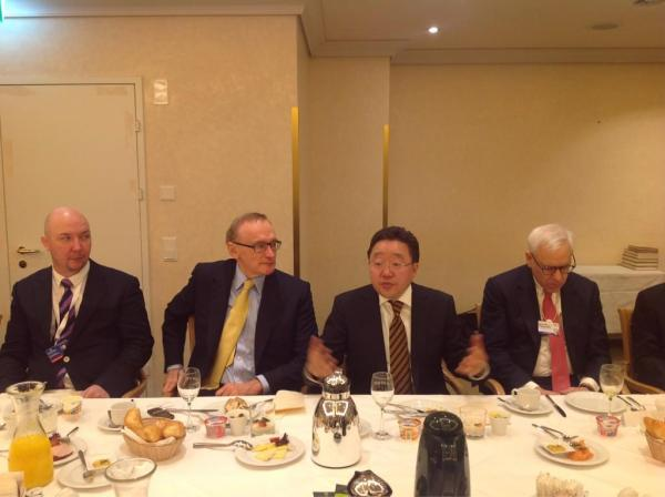 Mongolian President Elbegdorj addresses Davos breakfast talks