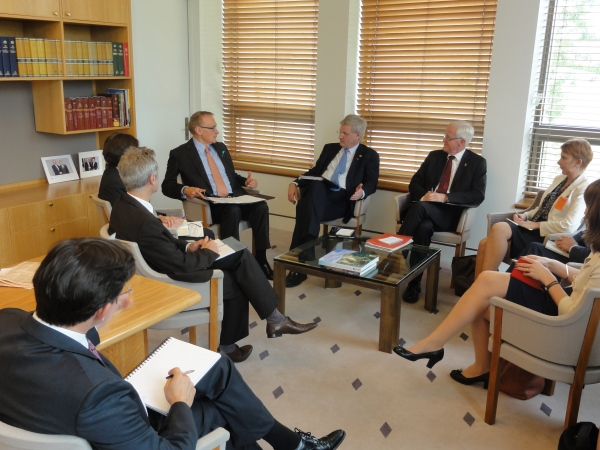 Foreign Minister Bob Carr with Swedish Foreign Minister Carl Bildt in Canberra on February 27, 2013